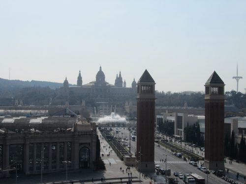 Barcellona : Gaudì, i colori della Boqueria, il profumo del mare e la fontana magica